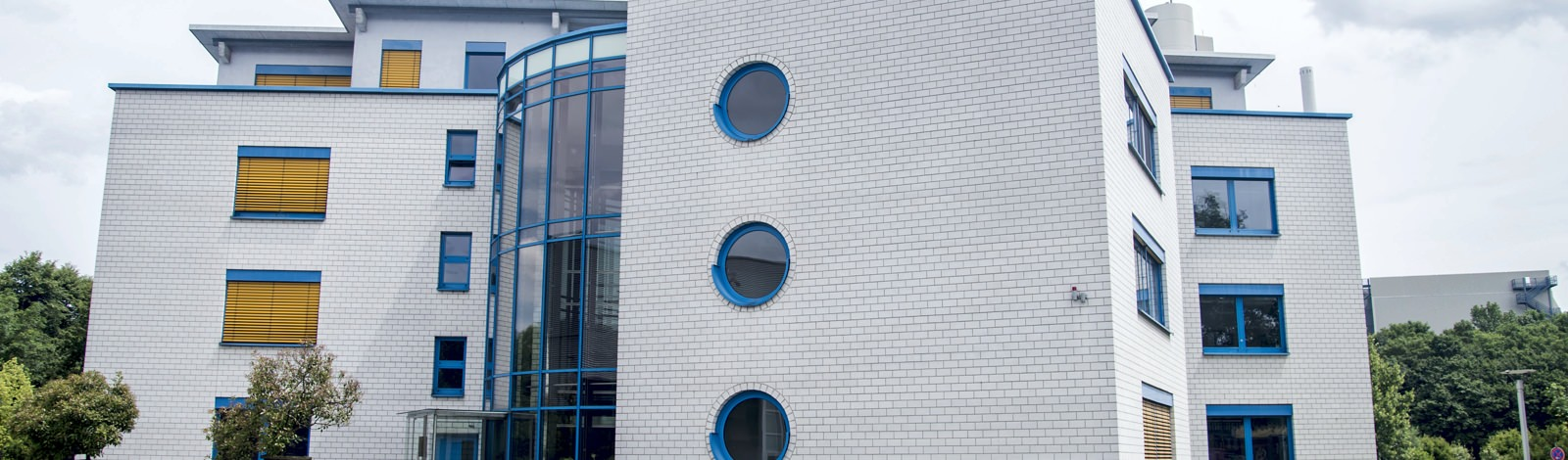 Kalksandstein Fassade Verwaltung Entennest